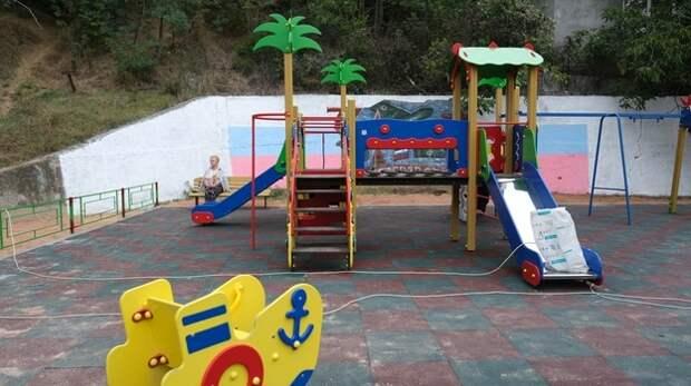 В Ялте установят 34 детских площадок