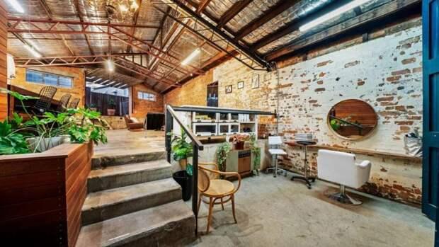 Склад был реконструирован в просторный и стильный дом архитектура, в мире, дизайн, дом, склад