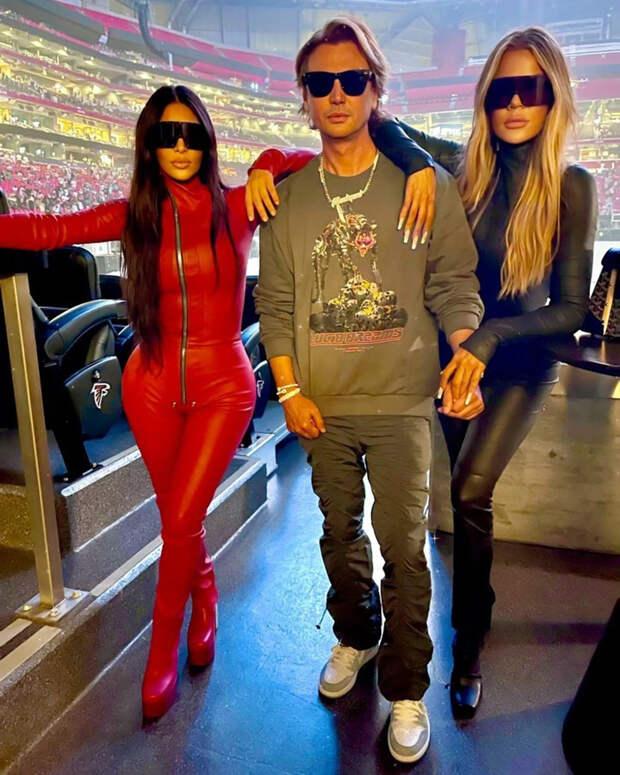 Ким и Хлоя Кардашьян