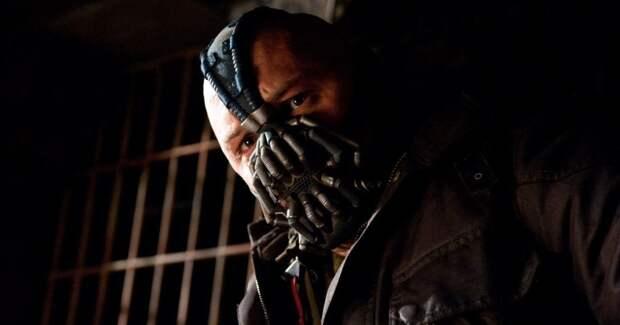 Из-за коронавируса в США раскупили маски противника Бэтмена