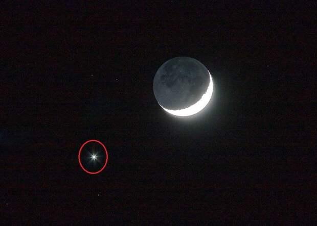 Луна — порождение Нибиру. Во время суперлуния на небе показалась Планета Х
