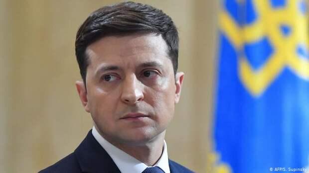 Зеленского уличили в превышении полномочий из-за санкций против украинцев