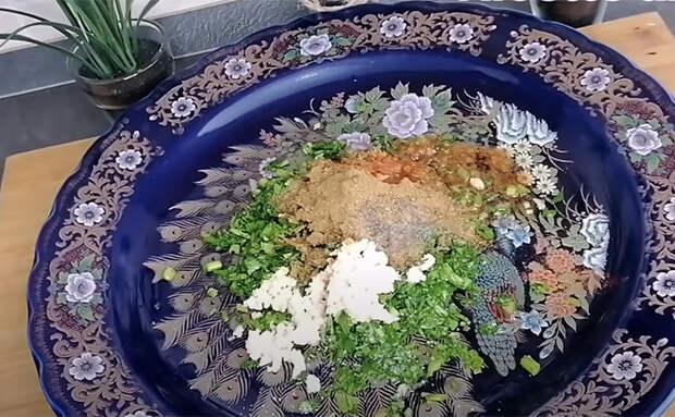 Готовим рыбу по-арабски: используем маринад из свежей зелени и чеснока