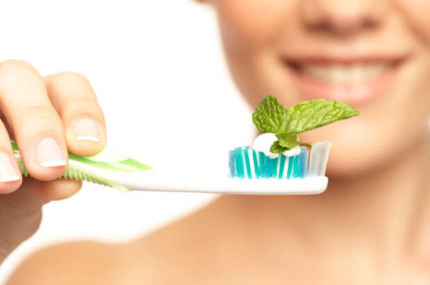 8 трав по уходу за зубами и полостью рта
