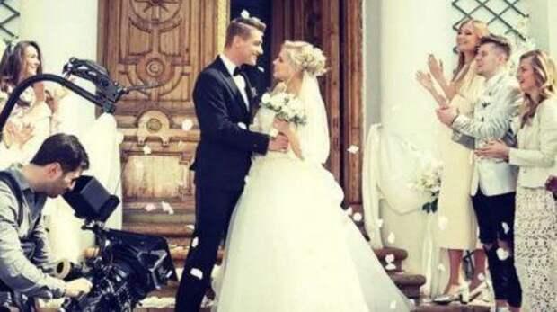 Алексея Воробьева заподозрили в тайной свадьбе в Америке