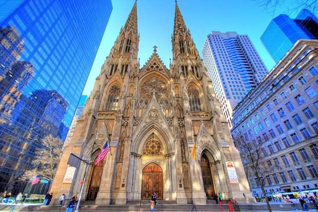 В Нью-Йорке задержали мужчину с канистрами бензина, планировавшего поджечь собор