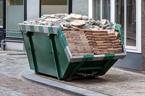 Из двора Старого Петровско-Разумовского вывезли строительный мусор