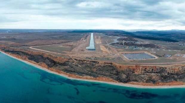 Киев заочно арестовал еще 12 российских самолетов из-за полетов в Крым