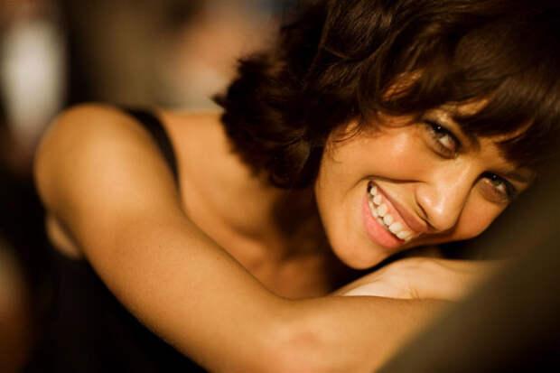 Ольга Куриленко (Olga Kurylenko) в фотосессии Грега Уильямса (Greg Williams) (2008), фото 10
