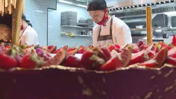 Вкусные блюда, быстрая подача и детская комната: В Симферополе открыли четвертый ресторан сети «Мияги»