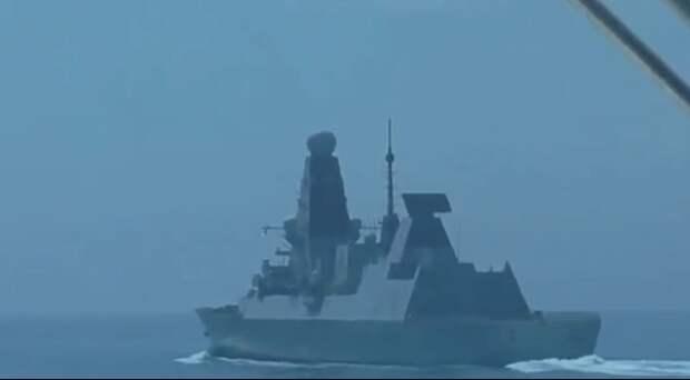 «Исключить попадание в «Дефендер». Тремя короткими. Огонь»: ФСБ обнародовала переговоры пограничников и британского эсминца у берегов Крыма. Видео