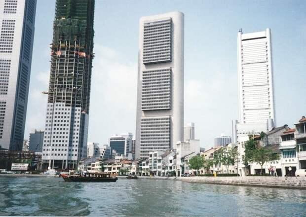 1991 Singapore UOB Plaza.jpg