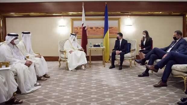 """""""Ногу на ногу можно по-разному закинуть"""": Эксперт по этикету пришла в ужас от манер делегации Зеленского в Катаре"""