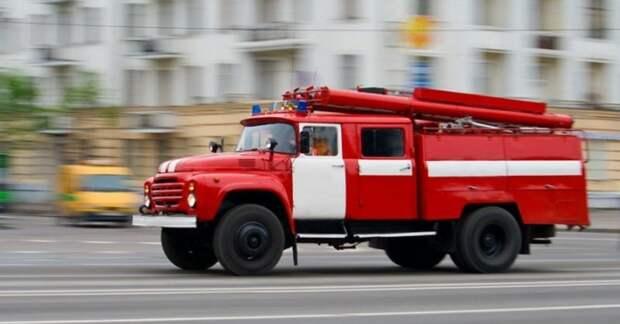 В воскресенье произошёл пожар в многоквартирном доме на улице Свободы. Фото МЧС