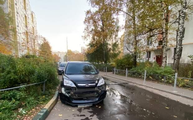 Виновник аварии на Планерной скрылся с места ДТП