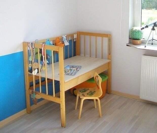 Переделка детской кроватки.