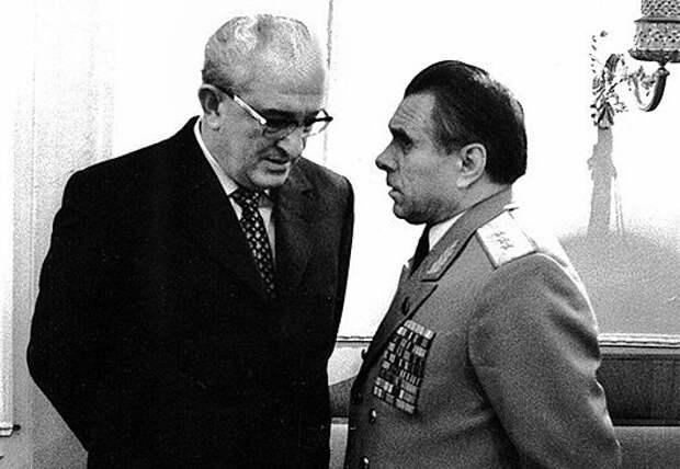 За что министр МВД Щёлоков хотел арестовать Андропова