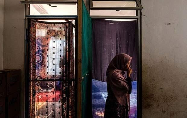 Ректор Кабульского университета запретил учиться в нем женщинам
