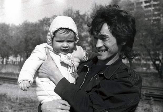 Звезды нашего детства вкругу семьи. Фото издомашних архивов