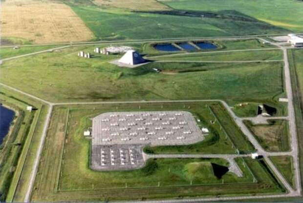 Секретный военный комплекс США за 6 млрд, который проработал одни сутки (7 фото)