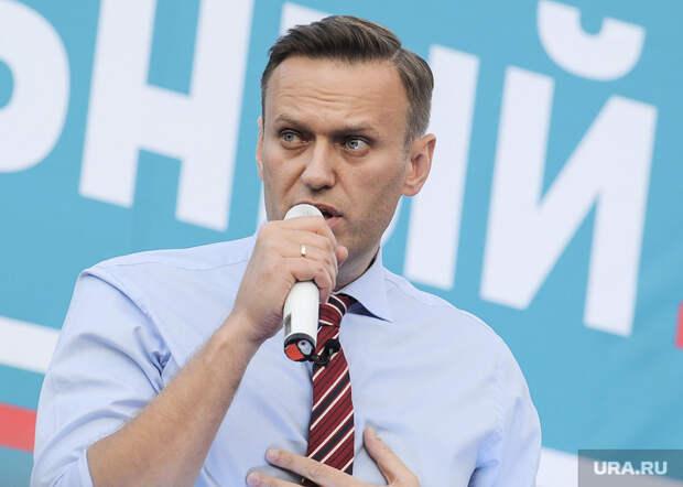 Навальному подтвердили статус склонного кпобегу