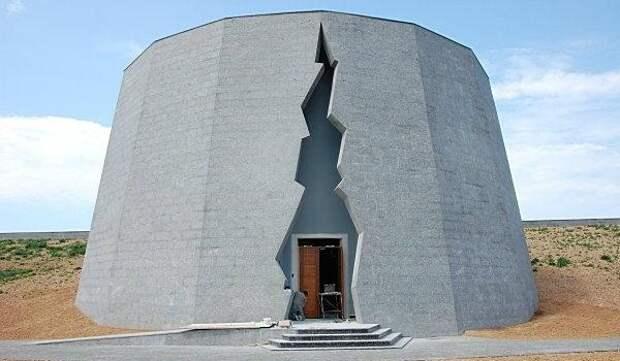 В Севастополе после реконструкции открыли Пантеон памяти