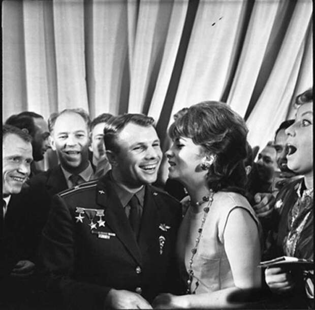 Как Юрий Гагарин покорил Джину Лоллобриджиду