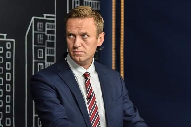Навальный призвал ЕС вводить санкции против близких к Кремлю олигархов