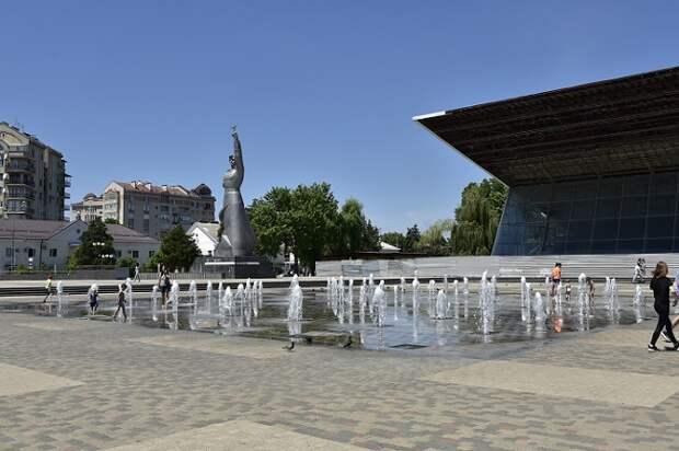 В Краснодаре перенесенный от «Авроры» фонтан заработает в июле