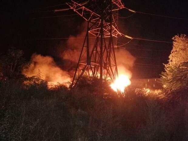 Мощный взрыв и пожар на территории одесского НПЗ: подробности происшествия