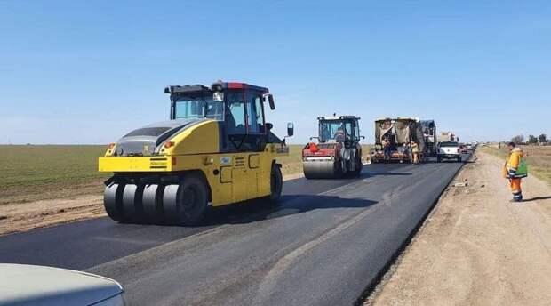 Участок дороги Черноморское – Воинка отремонтируют до 1 июля
