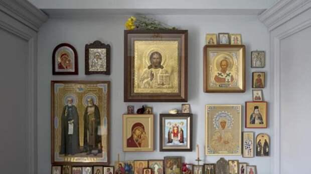 Приметы и суеверия: почему нельзя ставить фотографии рядом с иконами