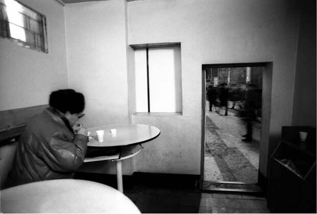 Старейший вокзал страны. Санкт-Петербург, 1995 год.