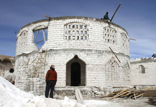 Из соли стоят целые гостиницы! По крайней мере на юго-западе Боливии