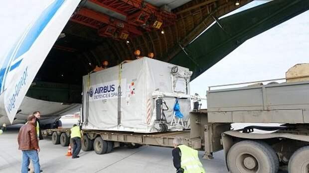 «Волга-Днепр» завершила перевозку космического спутника