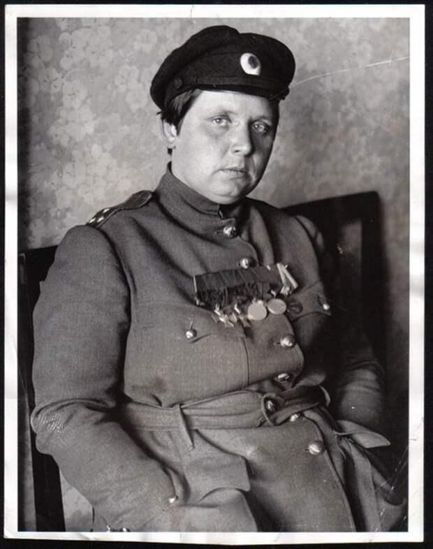 """Мария Бочкарёва или как большевики """"изнасиловали"""" весь женский батальон Смерти."""