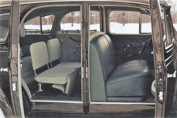 Дополнительные откидные стулья в задней части салона называются страпонтены ЗИС-101, авто, зис, лимузин, олдтаймер, ретро авто, сталин
