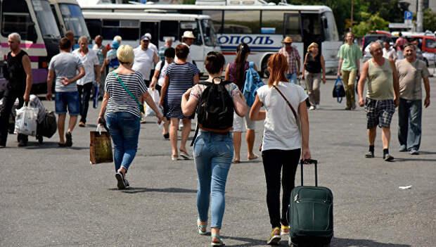 Стало известно, сколько пассажиров приехали в июне в Крым по «единому билету»