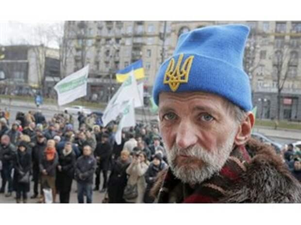 Украина: распад государства все ближе, глупость зашкаливает — эксперты