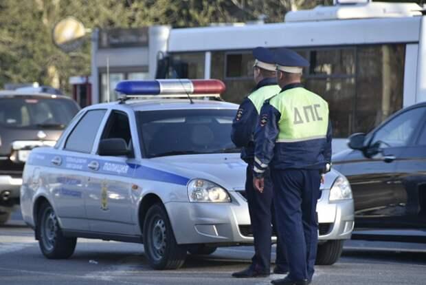 На Кубани пятерых сотрудников ДПС заподозрили во взяточничестве
