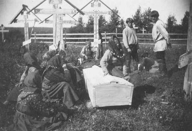 Почему православным необходимо молиться за умерших