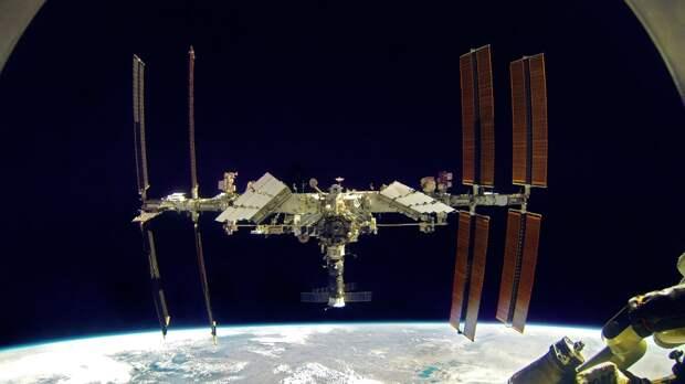 Космонавты Новицкий и Дубров проведут перестыковку «Союза МС-18»