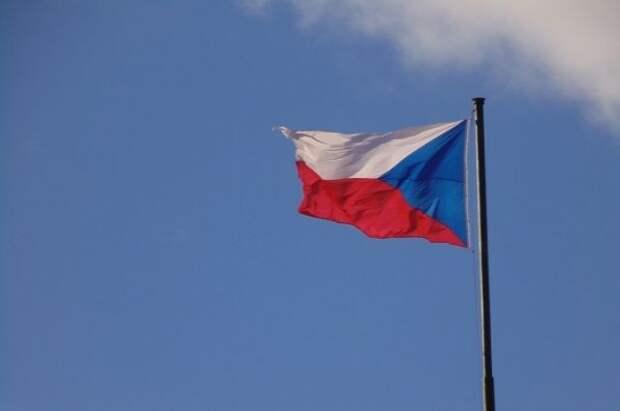 Неизвестные облили кетчупом стены генконсульства РФ в Чехии