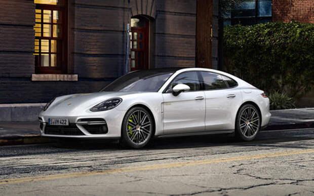 Porsche просит парковать Panamera подальше от всех