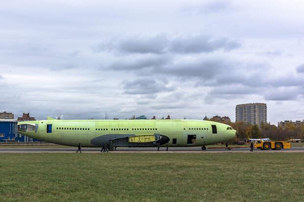 Основные агрегаты двадцать пятого Ил-96-300 поступили в цех окончательной сборки ВАСО