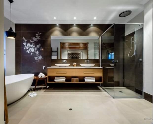 Стилизованный орнамент на стене в ванной