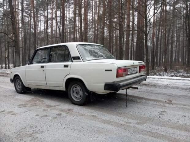 """Интересный экземпляр - ВАЗ-2105 с """"автоматом"""". Машина 1986 года выпуска с пробегом 115 тысяч километров продается за 3250 рублей, или 1540 долларов. авто, автомобили, акпп, ваз, ваз 2105, жигули, лада, продажа авто"""