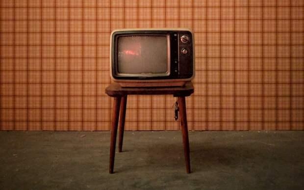 Загоревшийся телевизор в квартире на Ляпидевского потушили до приезда пожарных