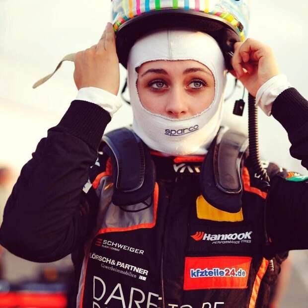 София Флерш — 17-летняя гонщица «Формулы-3», сломавшая позвоночник София Флерш, гонщица, позвоночник, спорт, формула