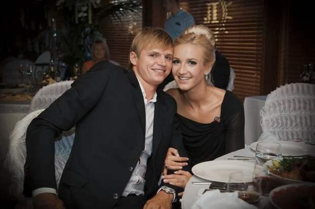 «В своем глазу бревна не видишь»: Бузова высмеяла Тарасова и Костенко